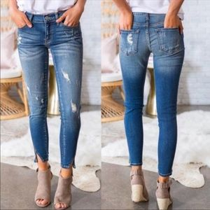 💃🏻KanCan Mid Rise Distressed Skinny jeans